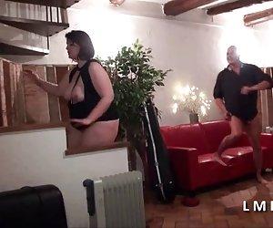 セックスの家で犯さ良い大きないたずらなクーガー